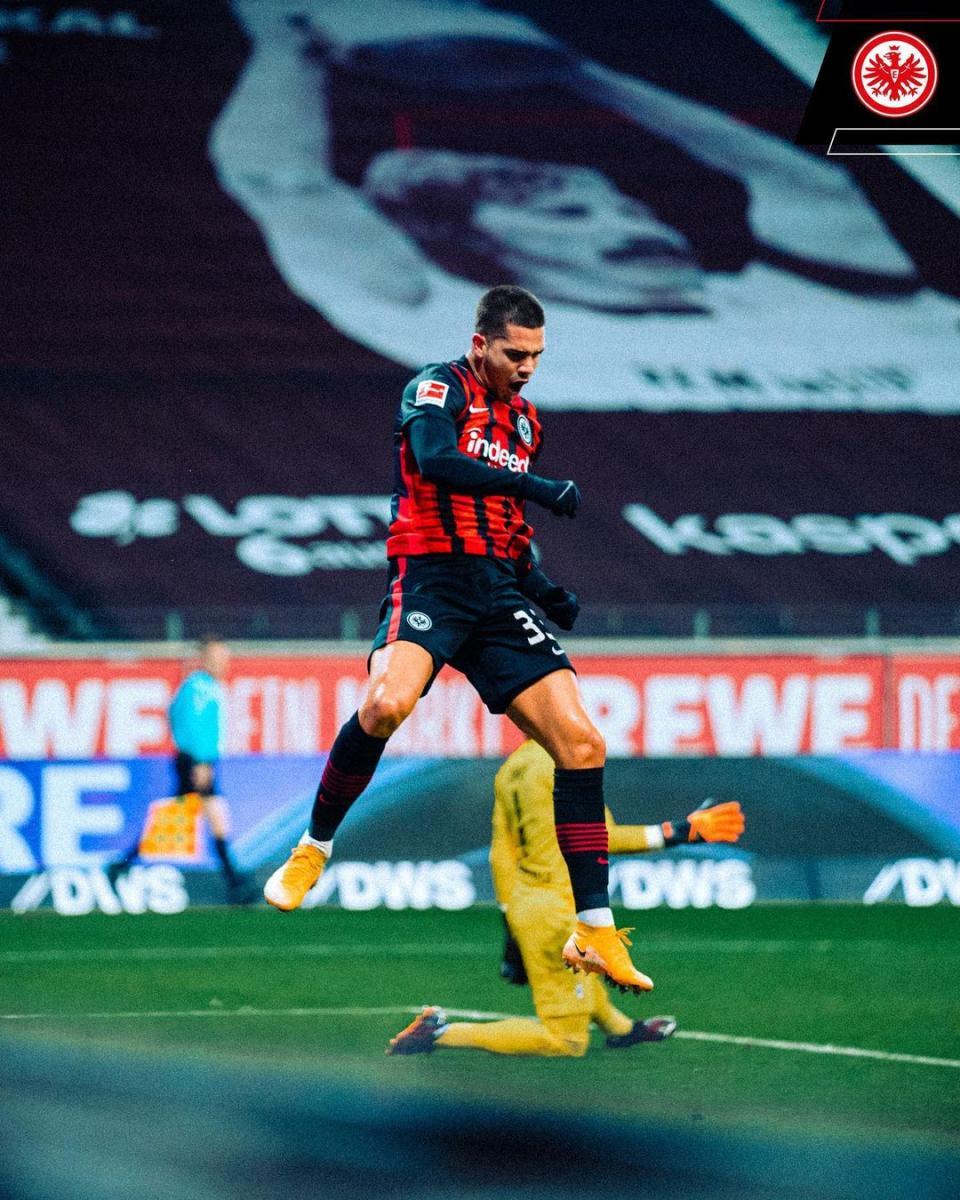 André Silva en pleno festejo de su segundo gol   Foto: @eintrachtfrankfurt