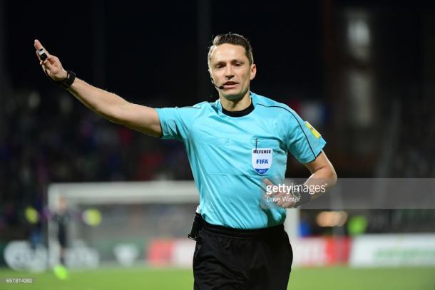 Andris Treimanis arbitrando un Luxemburgo-Francia. Foto: Getty Images