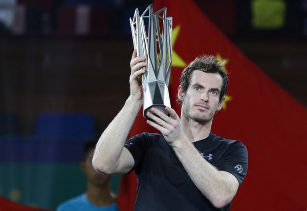 Andy Murray levanta el título en Shangai. Foto: zimbio
