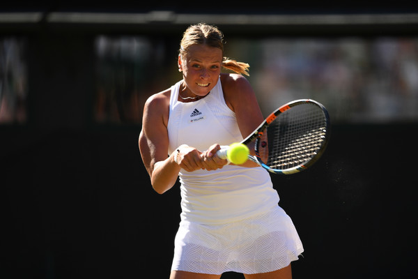 Anett Kontaveit in action at the Wimbledon Championships | Photo: Shaun Botterill/Getty Images Europe