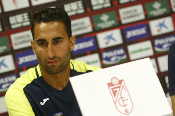 Montoro en su presentación con el Granada CF | Foto: Pepe Villoslada / Granada CF