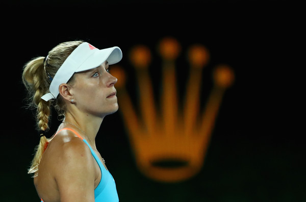 Angelique Kerber looks dejected at the Australian Open | Photo: Clive Brunskill/Getty Images AsiaPac