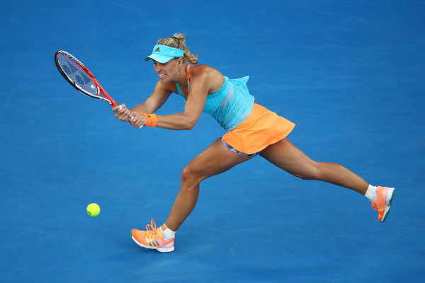 Angelique Kerber reaches for a shot | Photo: Clive Brunskill/Getty Images AsiaPac