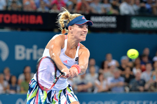 Angelique Kerber in action during her first match of the year at the Brisbane International | Photo: Bradley Kanaris/Getty Images AsiaPac