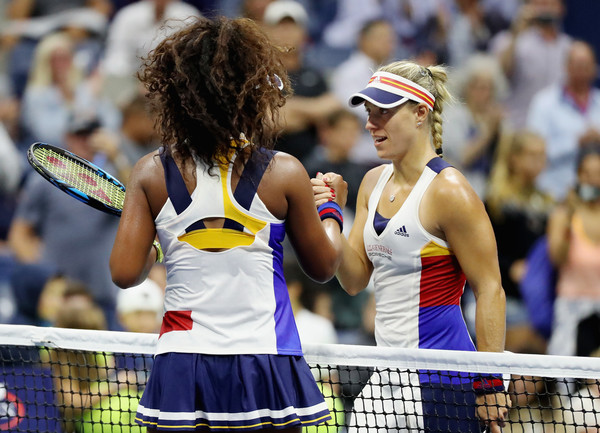 Respect: Angelique Kerber was classy in defeat when she shook hands with Naomi Osaka after their first-round match at the 2017 U.S. Open. | Photo: Abbie Parr/Getty Images