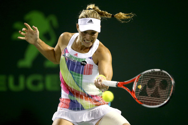 Angelique Kerber hitting a forehand at the Miami Open   Photo: Matthew Stockman/Getty Images