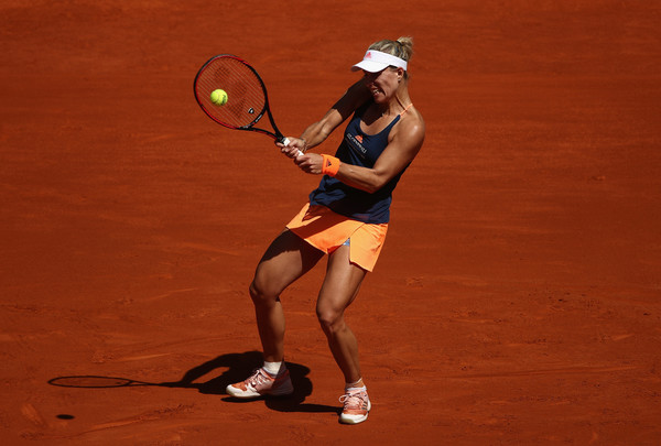 Angelique Kerber's backhand was working well today | Photo: Julian Finney/Getty Images Europe