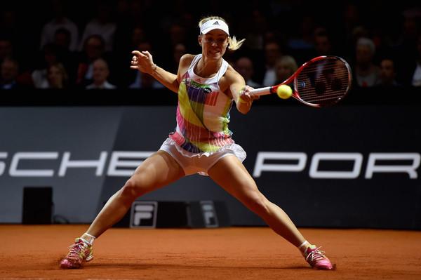 Angelique Kerber hitting a forehand against Petra Kvitova | Photo: Dennis Grombkowski/Bongarts