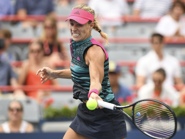 Angelique Kerber's forehands were streaky today — they can be both firing and erratic during the match | Photo: Minas Panagiotakis/Getty Images North America
