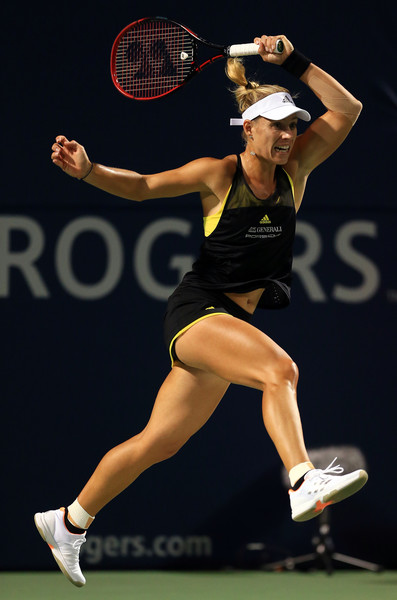 Angelique Kerber in action during her second round match | Photo: Vaughn Ridley/Getty Images North America