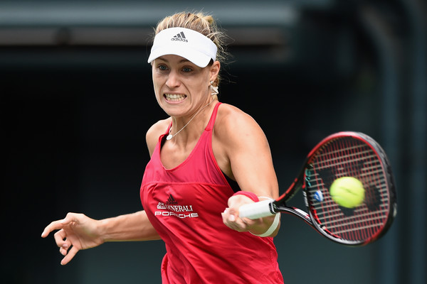 Angelique Kerber was able to produce her best tennis during the second set, but failed to keep up the level of her play | Photo: Matt Roberts/Getty Images AsiaPac