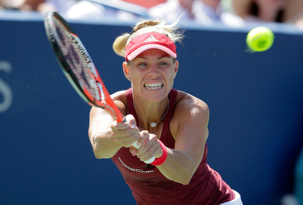Angelique Kerber hits a backhand against Karolina Pliskova during the final of the 2016 Western & Southern Open. | Photo: Andy Lyons/Getty Images North America