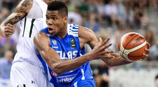 Antetokounmpo é um dos melhores jogadores do mundo na atualidade (Foto: Divulgação/FIBA)