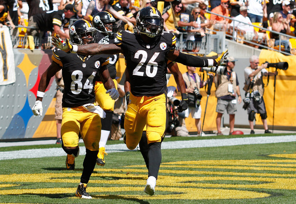 Brown and Bell celebrate another Steelers touchdown | Source: Justin K. Aller/Getty Images North America