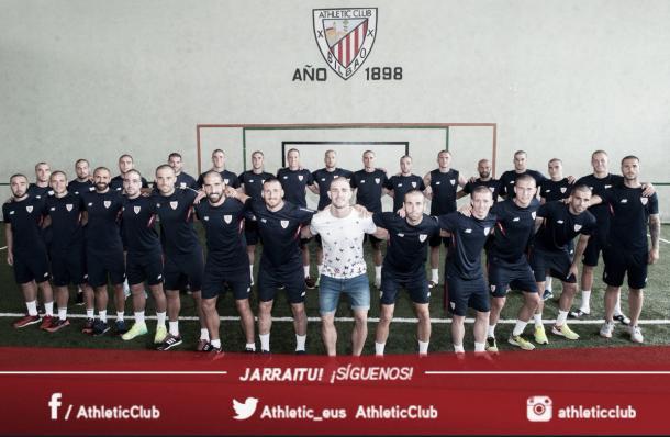 El Athletic se solidarizó con el central.   Foto: Athletic