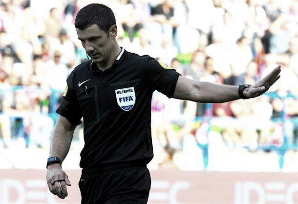 Nicolas Rainville, el árbitro del encuentro. Foto: https://twitter.com/EAGuingamp