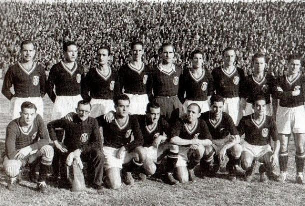 La Selección Española en 1941, en los primeros años del franquismo. Foto: RFEF