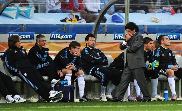 Maradona pensativo (foto:taringa)
