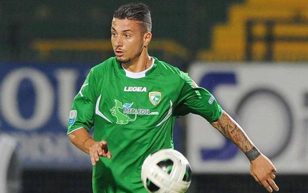 Izzo made 57 appearances over two seasons in Avellino | photo: avellino-calcio.it