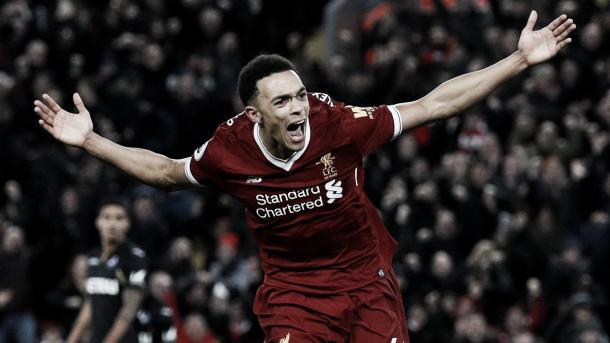 Alexander-Arnold celebra su primer gol con la camiseta del Liverpool. Foto: Premier League.