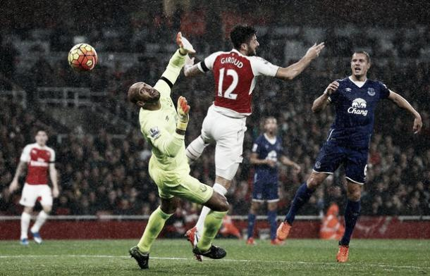 Olivier Giroud scores the opening goal past Tim Howard when the two sides last met. | Photo: Getty Images
