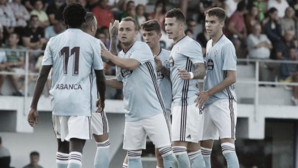 Aspas celebra con sus compañeros el tanto de penalti FUENTE: CELTA