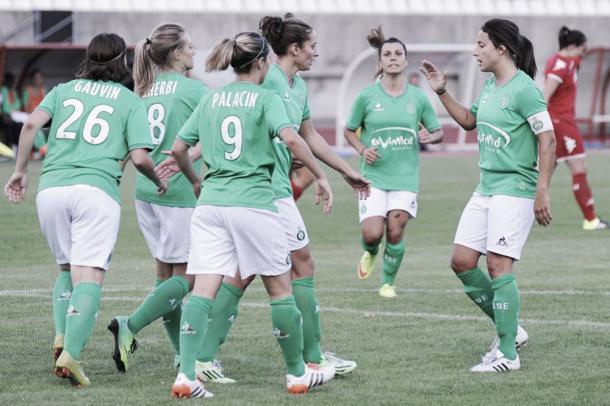 Saint-Etiénne players celebrate scoring against ASPTT Albi (asse.fr)