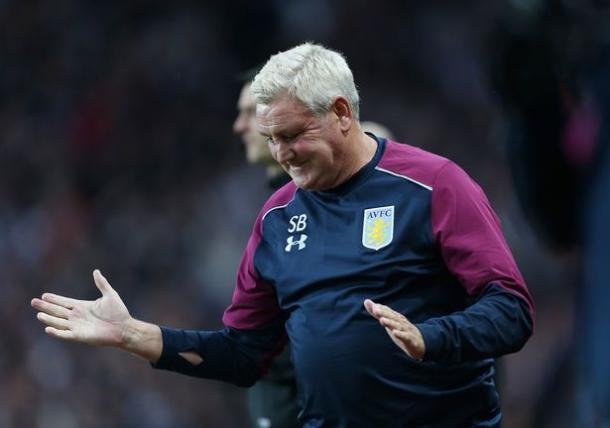 Steve Bruce ya manda en el Aston Villa. Foto: Getty Images