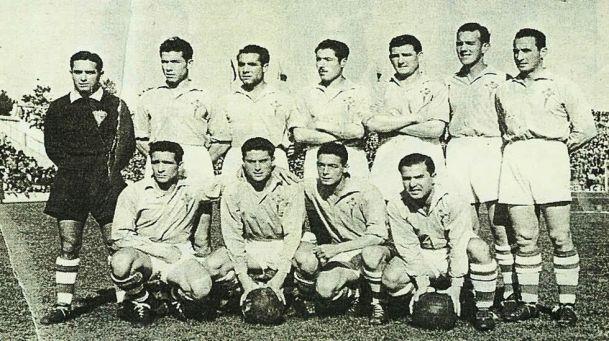 Atienza, segundo por la izquierda en la fila superior, en un Celta que goleó 4-1 al Athletic en enero de 1952 (Foto: halacelta.com)