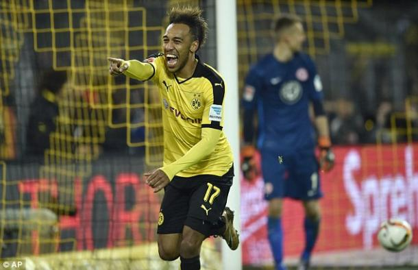 Aubameyang atones for his penalty miss at the Westfalenstadion | Photo: Daily Mail