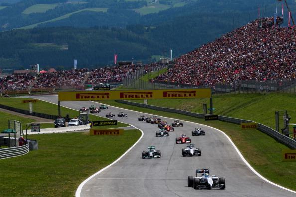 Foram seis layouts diferentes até o atual Red Bull Ring na Áustria (Foto: Peter J. Fox/Getty Images)