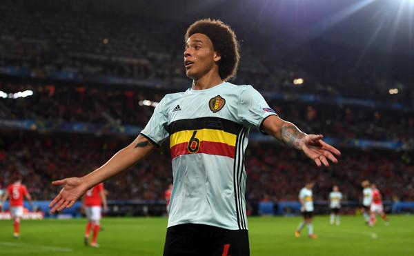 Axel Witsel durante l'Europeo di Francia giocato con il suo Belgio. Fonte foto: Getty Images Europe.
