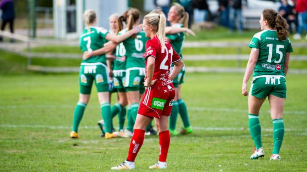 Mallbacken players celebrate getting their first of the season. Source: svenskfotboll.se/