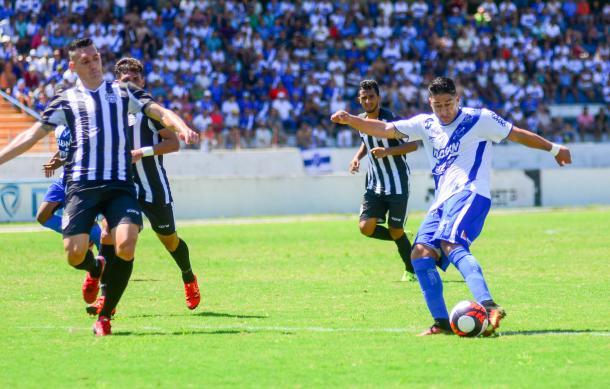 Apesar da boa atuação, o União Barbarense não conseguiu evitar a derrota (Foto: Bruno Castilho/EC Taubaté)