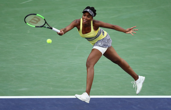 Venus Williams managed to win a set today | Photo: Clive Brunskill/Getty Images North America