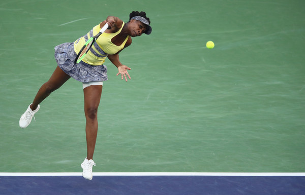 Venus Williams' serve was not working well today | Photo: Clive Brunskill/Getty Images North America