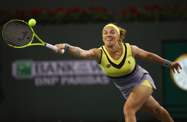Svetlana Kuznetsova was able to return serve well early in the match | Photo: Clive Brunskill/Getty Images North America
