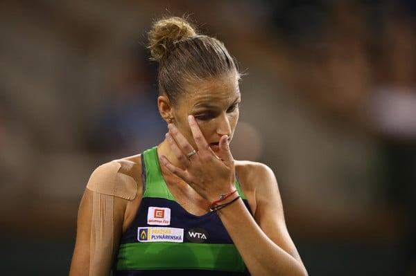 Karolina Pliskova shows some dejection during the match | Photo: Clive Brunskill/Getty Images North America