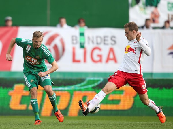 Benno Schmitz in action against Rapid Wien. | Image source: RB Leipzig