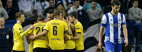 BVB celebrate their opening goal. | Image source: kicker - picture alliance