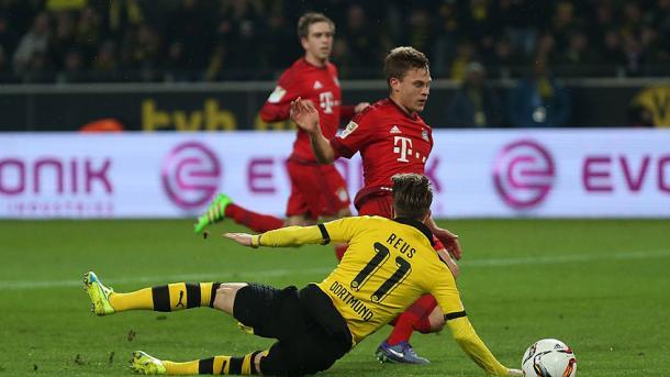 Kimmich cerró a tiempo una gran ocasión de Reus en el área del Bayern. // (Foto de fcbayern.de)