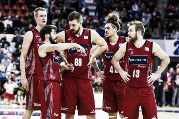 El quinteto inicial de la psada temporada con Bellas, Gegevicius, Benzing, Fotu y Jelovac/ Foto: Basket Zaragoza