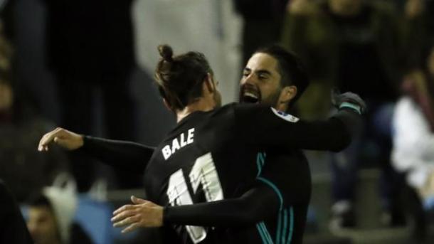 Bale e Isco se abrazan | Foto: LaLiga.es