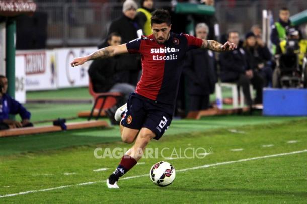 Antonio Balzano con la maglia del Cagliari (cagliaricalcio.com)