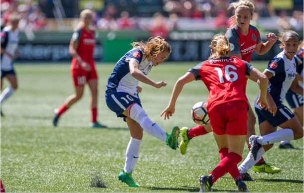 Spirit forward Estefania Banini passes the ball to a teammate in a 4-0 to the Portland Thorns on September 2, 2017 | Photo: Diego Diaz - Icon Sportswire via Getty Images