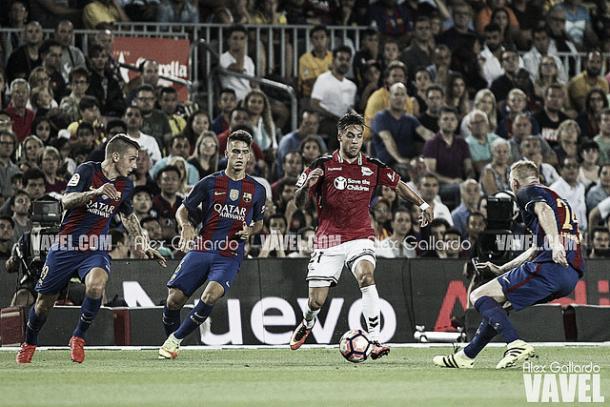 El Alavés se llevó la victoria del Camp Nou | Foto: VAVEL
