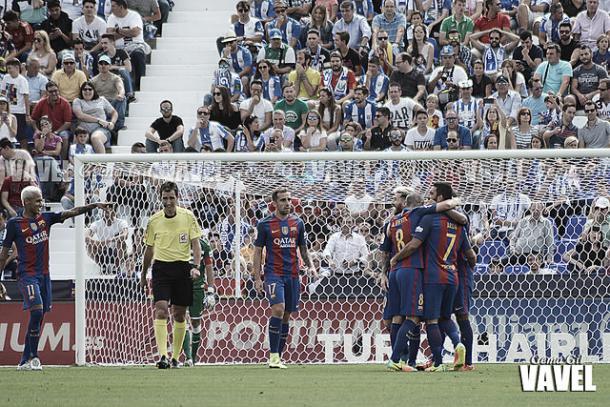 El Barcelona celebra un gol de Messi | Foto: VAVEL