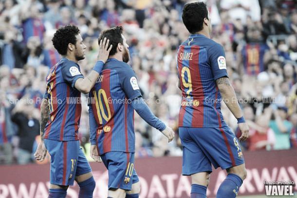 El tridente celebra un nuevo gol   Foto: Ernesto Aradilla - VAVEL