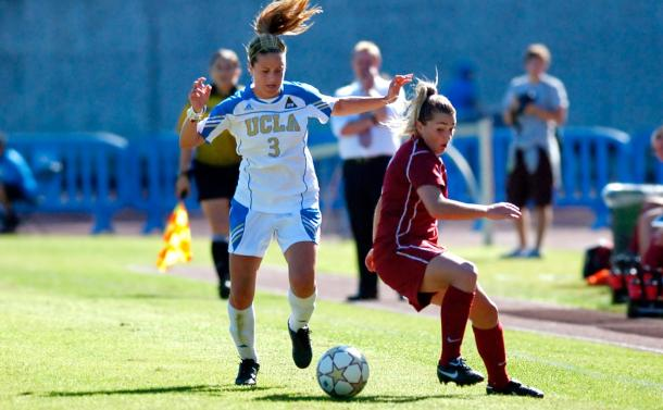 Lauren Barnes (left) in a match against against Washington State where she scored the winning goal in a 2-0 victory | Source: Daily Bruin