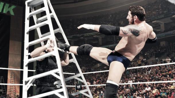 Barrett took advantage of the situation. Photo-www.wrestlestars.com